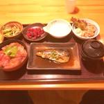 こちら丸特漁業部 新宿靖国通り店 -