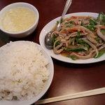 安記 - 豚肉とピーマンの炒め \600