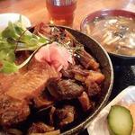 74810153 - 熊肉丼1800円