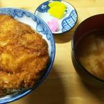 安田屋 - わらじカツ丼