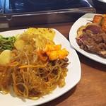 74813371 - 1710_SSIKKEK Korean BBQ -食客- kelapa gading_チャプチェもトッポギも!