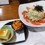 Honoka - 1710_Honoka-穂の香-_付き出しはキムチと玉子豆腐