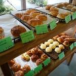パン工房 麦 - 料理写真:色んなパン
