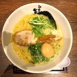 らーめん矢吹 - 料理写真:豚骨(塩)+味付玉子