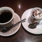 茶居夢 - コーヒーゼリーとコーヒー