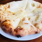 74820734 - チーズナンのアップ。250円で変更できる。