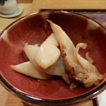 74822260 - まんじゅう貝のバター焼き