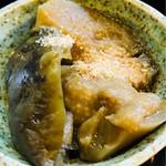 相福庵 - 茄子の甘辛く炊いたものにすりゴマがかかってるらしく私は食べれませんが旦那は2人分食べてました。美味しいらしいデス。