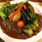 マハナ - 1日分の野菜ルゥカレー(880円)