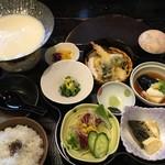 知春 - 料理写真:四季の彩御膳