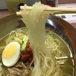 西口うどん - 冷麺の麺