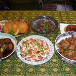 キッチンえびす - 料理写真:自慢の大皿料理(例:毎日変わります)