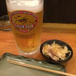 三政 - 生ビールとお通し&箸代わりの串