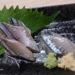 魚漁 京橋店 - さんま刺身