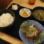 Mekikinoginji - 牛肉スタラー定食