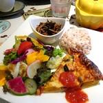 カフェ カリット - お野菜のキッシュプレート