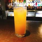 アフターアワーズバン - 林檎のお酒¥5000(滞在時間10分のチャージ込、チャーム無し、笑)