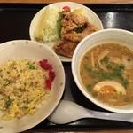 拉麺・食工房 まる家 -