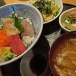 魚串 然 - 海鮮丼