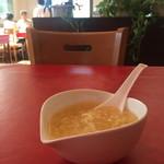 アッバシ - 何故か中華風のコーンスープ(笑)