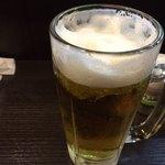 やきとん あかり - 生ビールはキンキンに冷えてました