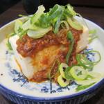 七津屋 - 「ピリ辛肉味噌豆腐」(¥180)