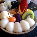 茶房 雲母 - クリームフルーツ白玉¥950(税込)