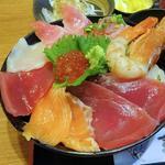 74852251 - 海鮮丼 上(丼アップ)