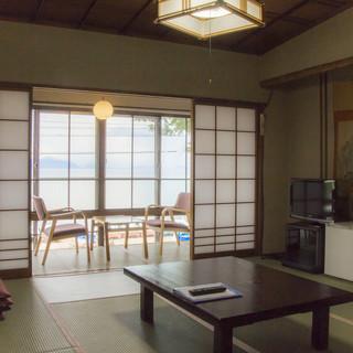 ホテルのお部屋を使って猪苗代湖を見ながら個室宴会ができます!客室宴会席