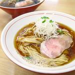 ら~麺 安至 - 煮干し醤油ら~麺 650円