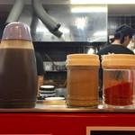 麺屋 桐龍 - 卓上調味料