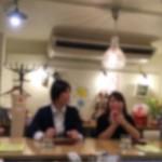 かふぇ&ばるDouchi - キッチンが見えるカウンターはお一人様でもいつのまにかお隣と仲良しに☆