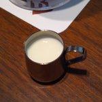 今万人珈琲   -  アイスコーヒー付属のフレッシュ