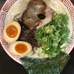 博多ラーメン 替玉食堂 - 味玉ラーメン