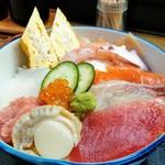 八王子総合卸売センター 市場寿司 たか - 名物豪海丼¥600