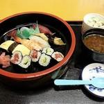 寿し処弁慶 - お寿しセット 800円