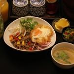 Asian Dining PUERTO - 激辛タイ風まぜそば