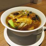 74880284 - 海老と豚肉団子・五目野菜の醤油あんかけ湯麺900円。