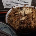 74880426 - 炊き込みご飯、関東で出会う炊き込みご飯は黒いのが多いです。