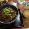 とんかつ かつ花 - 料理写真:「かつカレー丼(みそ汁付)590円」