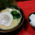 Yokohamaiekeiramentokorozawayamatoya - ラーメン&ライス