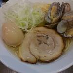 menyaryuu - □味玉塩らーめん 850円(内税)□をアップで。