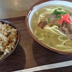 食堂 満八 - そば&ジューシー 950円