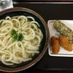 つばめ - 料理写真:かけうどん2玉320円 ちくわ天100円 牡蠣フリャ140円
