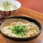 旗松亭 - 料理写真:名物の饂飩を名物のあご出汁のスープで