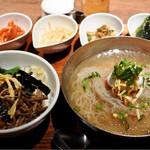 Korean Dining ハラペコ食堂 - 手打ち冷麺定食980円