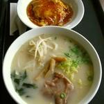 水晶宮 - 天津飯(醤油/塩味)+ラーメン (醤油/塩バター/豚骨味)550円