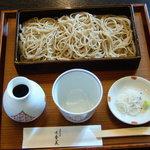 手打そば みかみ - せいろそば:横浜元町一茶庵で使用のオリジナル挽き最上質そば粉で打った二・八そばです。