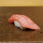 寿司つばさ - 中トロは軽く漬けに
