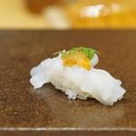 寿司つばさ - 料理写真:必殺!赤烏賊にとび子、雲丹、木の芽